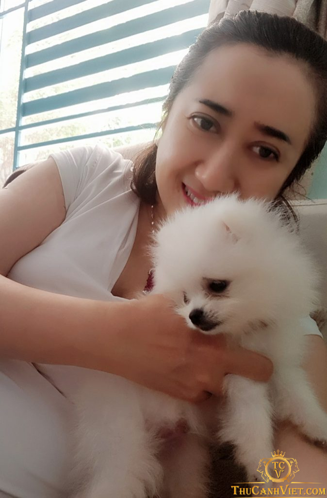 Nụ cười rạng ngời bên cún yêu